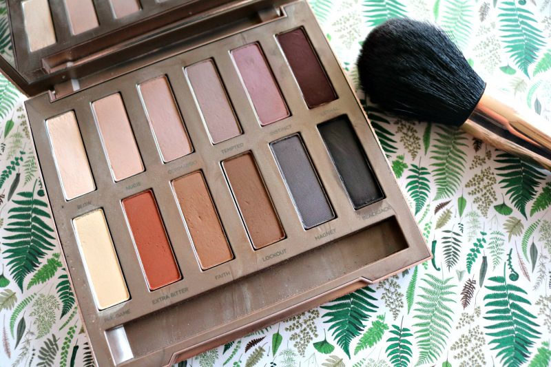 Urban Decay ultimate basics palette open